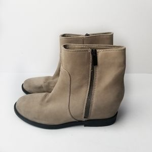 Kenneth Cole Reaction Lift It Suede Wedge Boots